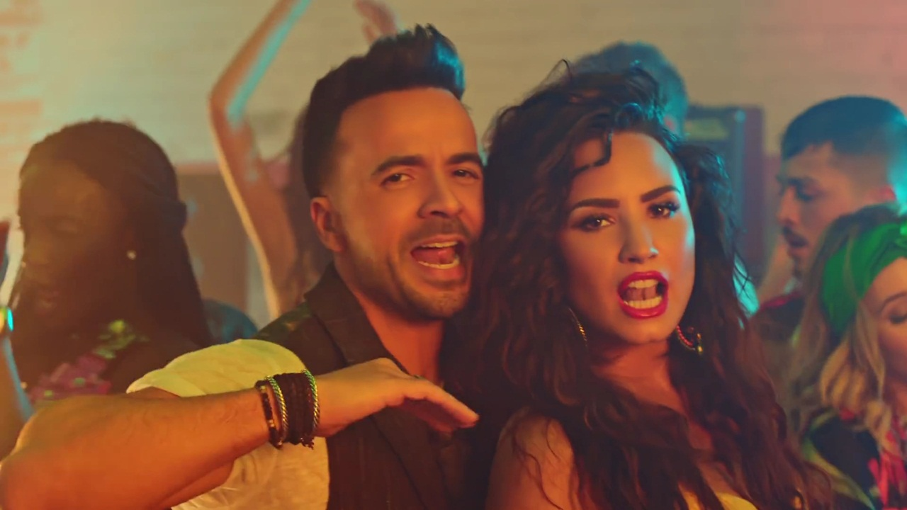 Listen Echame La Culpa Mp3 download - Luis Fonsi, Demi